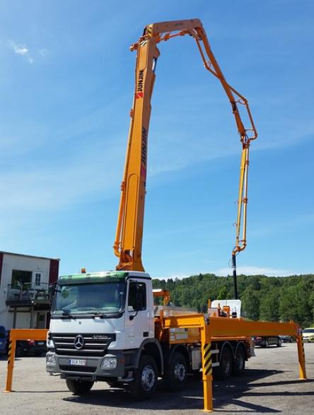 this image shows concrete pumping crane fresno ca